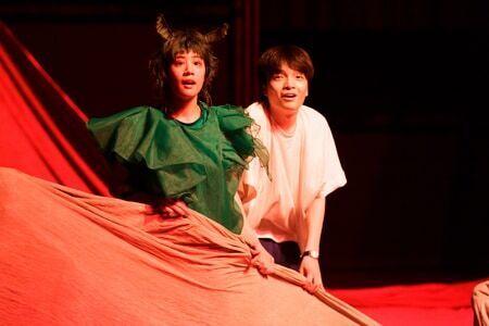 伝説の絵本の舞台化「ビビを見た!」が開幕! 岡山天音、石橋静河らからコメント到着!