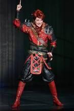 宝塚星組の集大成、トップコンビの退団公演が開幕!