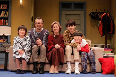 原田美枝子演じる母と、ゲイカップルの会話劇 ─ 愛とは?幸せとは?
