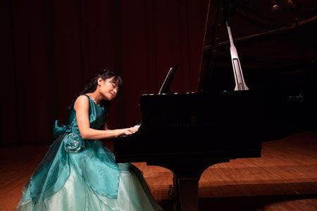 いま話題のピアニスト野田あすかが、満を持して、12月に新曲を発表