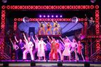 ミュージカル『サタデー・ナイト・フィーバー』開幕でDJ KOOがたまらずダンス!