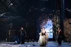 待望の劇場再開!新国が幻想的なブリテンで開幕