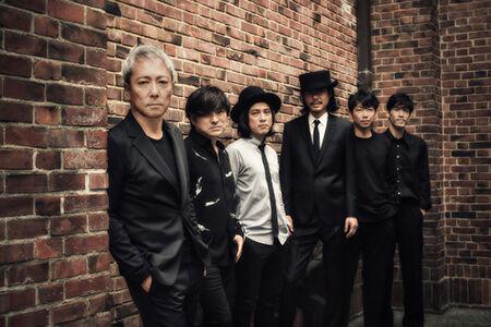 佐野元春、デビュー40周年を迎え大阪城ホールで歴史的コンサートを開催