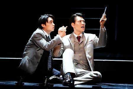 松岡広大×山崎大輝新ペアが新風を吹き込む ミュージカル『スリル・ミー』開幕