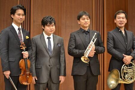 写真左から)三浦文彰、辻井伸行、佐藤友紀、福川伸陽