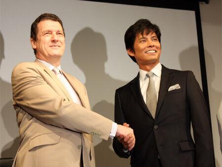 織田裕二、大使に主演作のスペイン上映をお願い