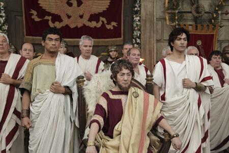 映画『テルマエ・ロマエ』で阿部寛、市村正親らがローマ人姿を披露
