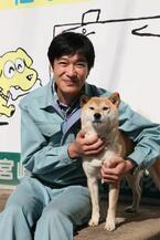 堺雅人と中谷美紀、新作映画『ひまわりと子犬の7日間』で共演