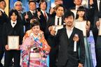 岡田准一、史上初の俳優部門W受賞の快挙!