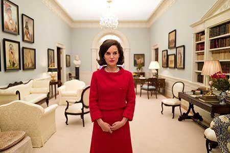 ケネディ夫人に扮したポートマンにインタビュー