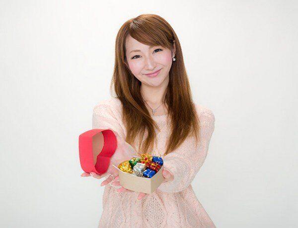 ライバルに勝つ! 好きな人の印象に残るバレンタインチョコの渡し方3つ
