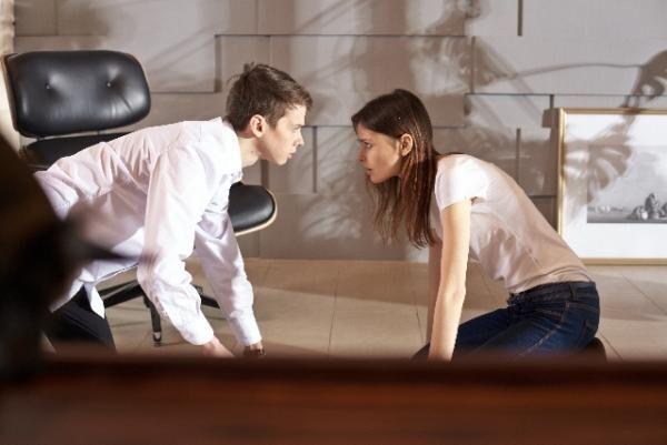 上戸彩とHIRO夫妻が家庭内別居寸前? 多忙によるすれ違いで夫の愚痴が止まらない!