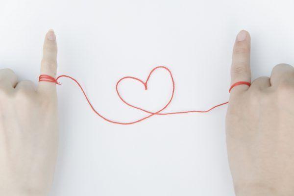【恋愛心理テスト】義理チョコで分かる「あなたが陥る恋のリスク」とは…?