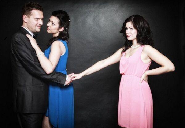 結婚前に離婚!?「オトコの女遊び」は何歳まで続くの?
