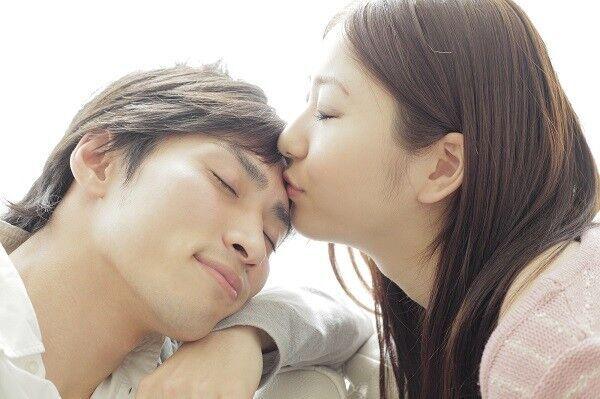 いきなりなんて卑怯だよ♡男が「一番ドキドキしたキス」のエピソード3連発!