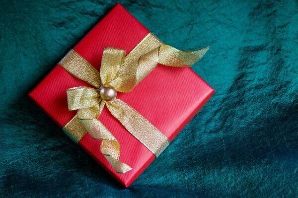 【いやぁー、マジか…。】男性を引かせる「重い」と感じるプレゼントって?
