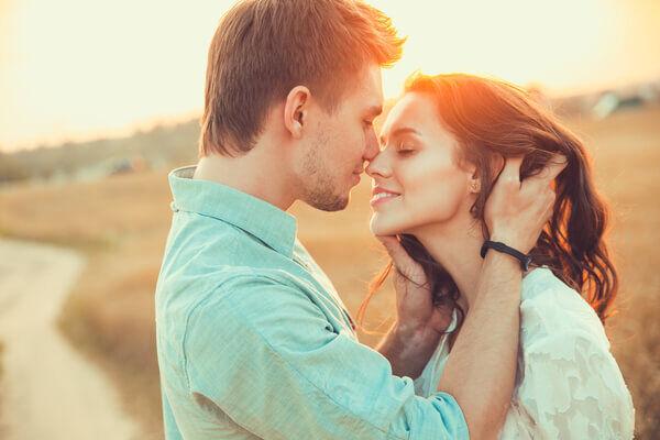 """とってもお上手♡""""キスで分かる""""あなたの「恋愛経験値」"""