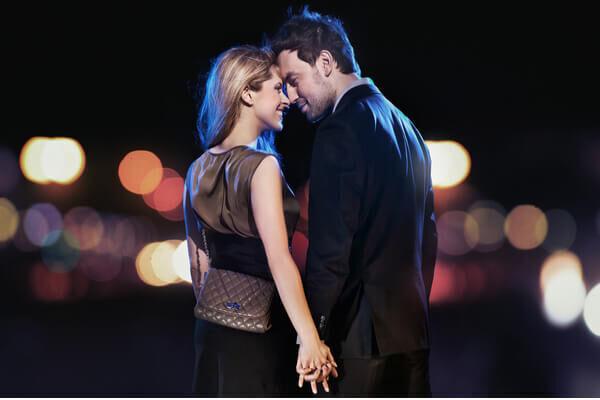 今夜抱きたい…♡男の心を一気に引き寄せる「セクシーな仕草」4選