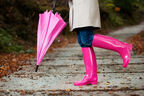 梅雨時期は気をつけて【要注意!】雨の日には避けたい!水濡れNGなファッションまとめ