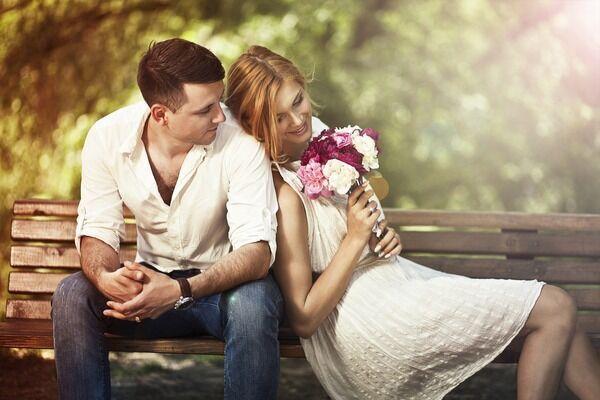 ずっとずっと大好きです♡彼氏を夢中にさせる「愛され彼女」になる方法