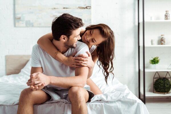 今日もヤりたいな…♡性欲が強い彼氏と「上手に付き合う方法」4選