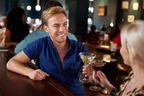 その仕草にドキッ♡男性の心を惹きつける「飲み会でのモテ言動」って?
