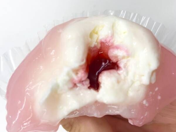 【ファミマスイーツ】話題の「ぷるもちわらび木苺ちーず」って本当に美味しいの?