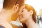【男に聞いた】女性に「キスしたくなる瞬間」の心理って?