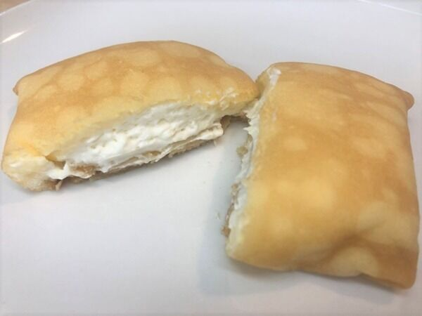 【セブンスイーツ】「もっちりクレープ ダブルレアチーズクリーム」は爽やかな甘さ!