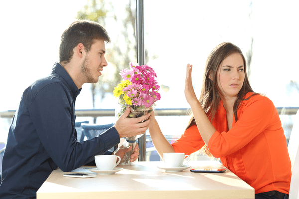 こういう人は無理…!女性が「恋愛対象外にしがち」な男性の特徴