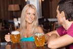 君に乾杯♡男がドキムラする「居酒屋デートテク」とは?