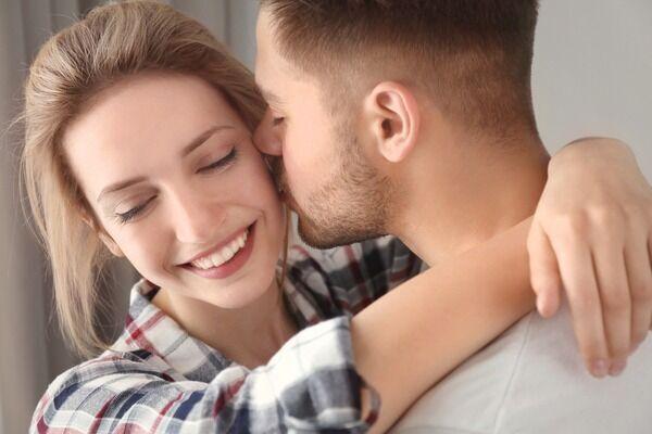 ずっと守るからねっ♡男が惚れる「純度100%なピュア女子」の特徴4つ