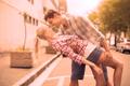 恋しちゃうよ?男性が「意識し始めちゃう」女性の行動4選