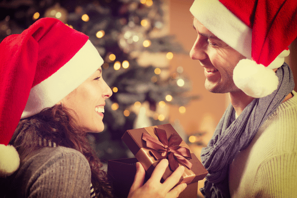 大切にするね♡【おひつじ座・おうし座・ふたご座】男性が笑顔になるプレゼントって?