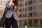 隣歩くの厳しめ…男に笑われてしまうデート服の特徴って?