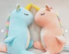 【ダイソー】癒されたいならゲット!可愛すぎる「抱き枕&ぬいぐるみ」4選