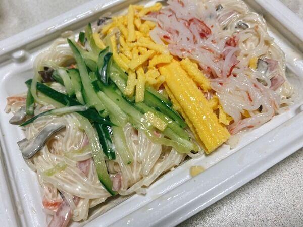 【ファミマ】「ごまだれ春雨サラダ」はボリューム満点の贅沢サラダ!