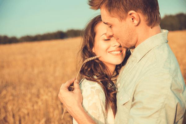 俺が守るからっ!男性に自然と「守りたいと思わせる女性の特徴」4選