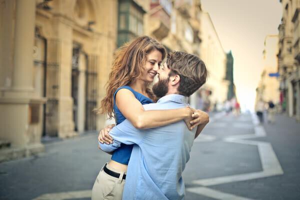 物理的距離より心の距離♡遠距離恋愛で「ずっと仲良し」でいる方法4つ