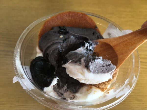【セブンスイーツ】和と洋のハイブリッド!大満足な「黒ごま和パフェ」のお味とは!?