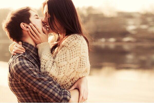 何度も君が蘇ってくる♡男が浸る「忘れられないキス」4つ