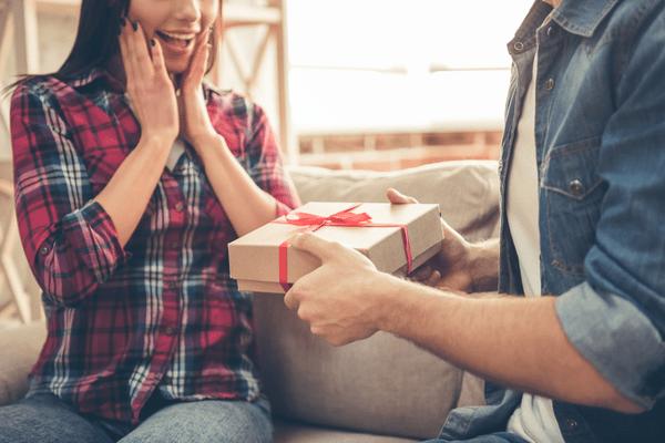 センスが重要!「彼女が喜ぶプレゼント」4選
