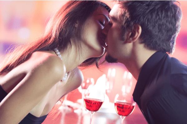 他の女なんて興味ねぇ!腰砕けになる「色っぽキス」の仕方4つ