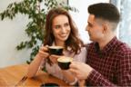 ずきゅんっ…♡女性が「男友達を異性として意識する瞬間」4選