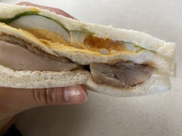 これ1つで大満足!【ファミマ】の照り焼きサンドイッチが美味すぎるとウワサ…♡