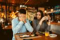 メシまずになるからムリ…男性がドン引きするデート中の「NG食事マナー」4つ