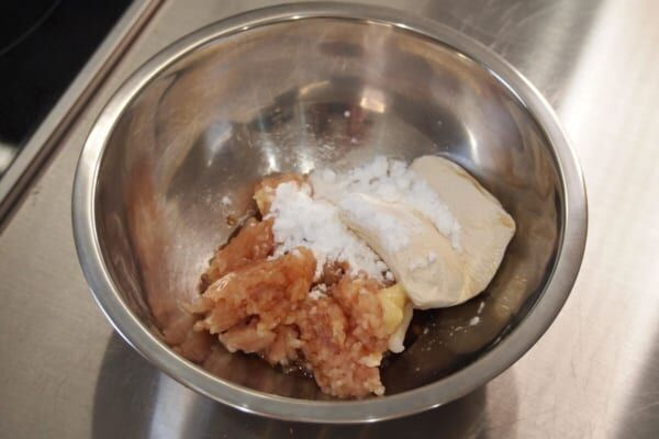 これ実は「アレ」なんです!「鶏つくねの素麺衣揚げ」の作り方!