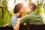 大人の魅力がスゴイ♡男がムラっとする「大人のキス」の仕方