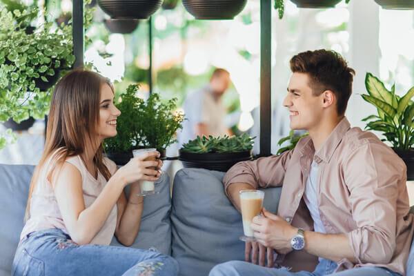 コレをされたら好きな証拠♡女性が「好きな男にする言動」4選