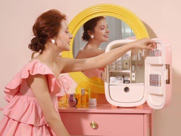 【コスメは冷やす時代?】コスメ専用冷蔵庫「PINKTOP」って!?
